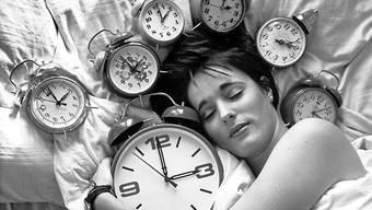 Eine Stunde länger schlafen: In der Nacht auf Sonntag wurden die Uhren in der Schweiz für die Winterzeit um 3 Uhr auf 2 Uhr zurückgestellt. (Archivbild)