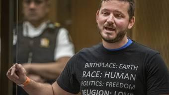 Kyron Gosse, Neffe des Opfers Linda Armstrong, redet während des Prozesses gegen Brenton Harrison Tarrant vor dem Obersten Gerichtshof. Foto: John Kirk-Anderson/The Press POOL/AP/dpa