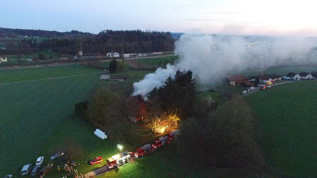 Brand im Asylzentrum Oftringen: Drei Personen zur Kontrolle ins Spital gebracht
