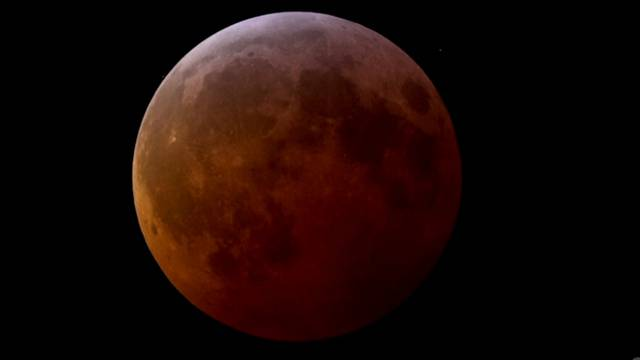 Die totale Mondfinsternis im Video