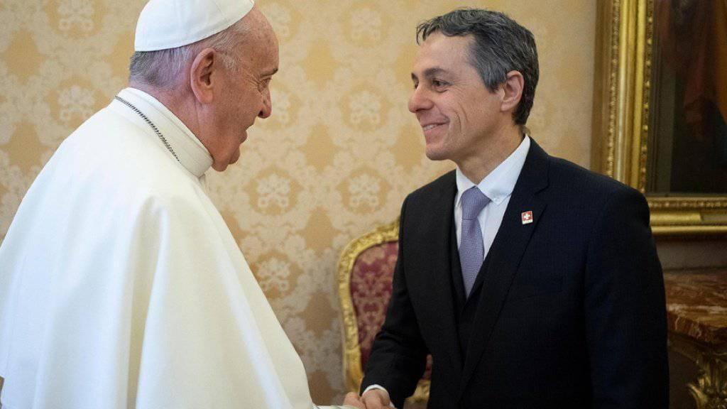 Aussenminister Ignazio Cassis wurde von Papst Franziskus zu einer Privataudienz empfangen. Worüber sich die beiden unterhielten, ist nicht bekannt.