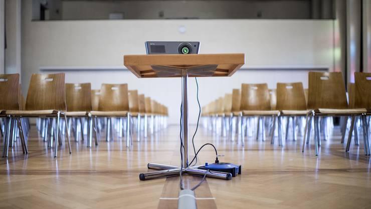 Dietiker Schulen werden mit Beamern ausgestattet. (Symbolbild)