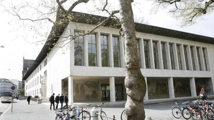 Die Eröffnung findet am Freitag in der Aula der Universität Basel statt.