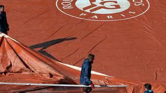 Zum zweiten Mal nach dem Pfingstsamstag bringt Regen das Programm am French Open durcheinander