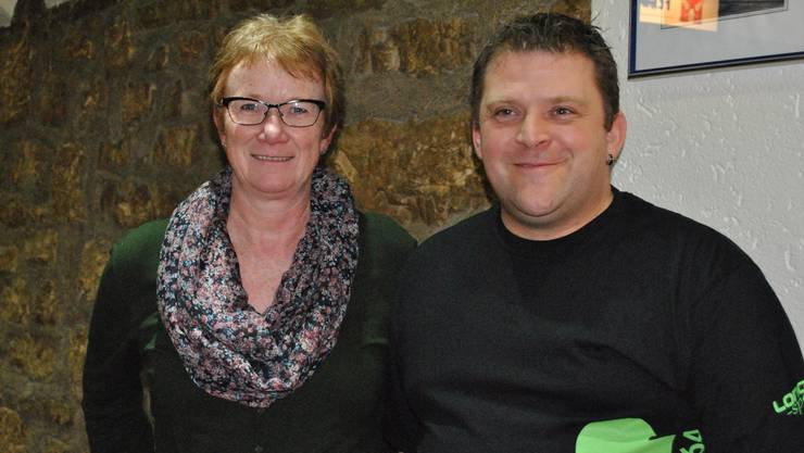 Renate Erni, Vizezunftmeisterin der Fasnachtzunft Ryburg, und Tobi Schürch, Präsident der Meler Galgevögel.